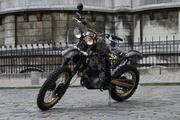 Arzée custom moto sur la base d'une HONDA XL 600 cc, la Paris-Dakar de 1985 qui célèbre le Japon et l'esprit du tout-terrain.Enfer III est une machine d'exception, elle vous séduira ou vous effrayer à la fois ... moto d'arzee loiret givraines