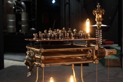 jeu de la victoire, je d'echec d'Arzée création luminaire, sculpture objet d'art métallique Tarek et Esther Nasser , givraines loiret